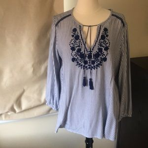 Old navy size large tunic shirt excellen condition